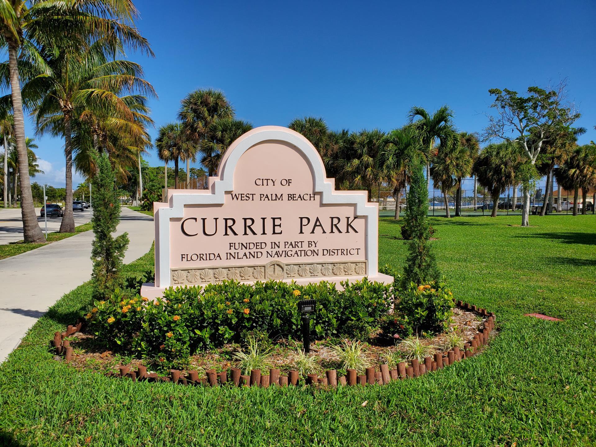 Currie Park Entrance