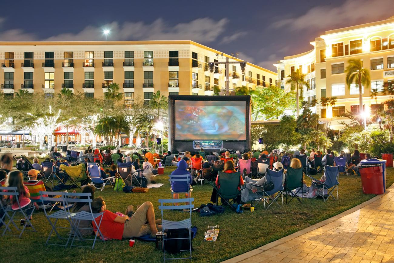 Screen On The Green West Palm Beach Fl